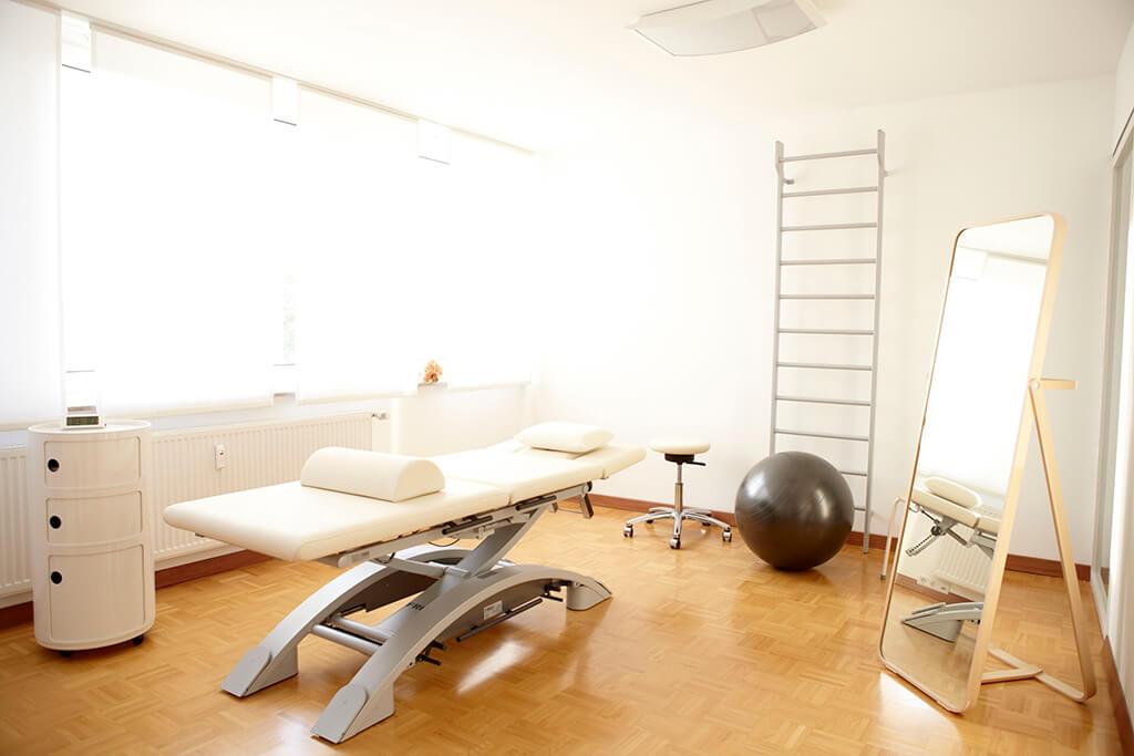 physiotherapie-tuebingen-hohaus-klinec-behandlungszimmer